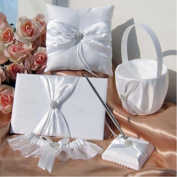 White Wedding Guest Book & Pen Set With Bow & Di...